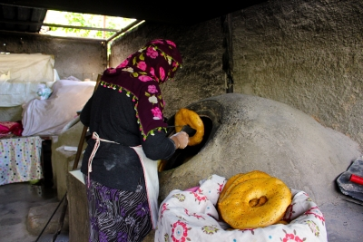Batmanlı kadınlar yöreye özgü tandır ekmeği üretimini şehre taşıdı