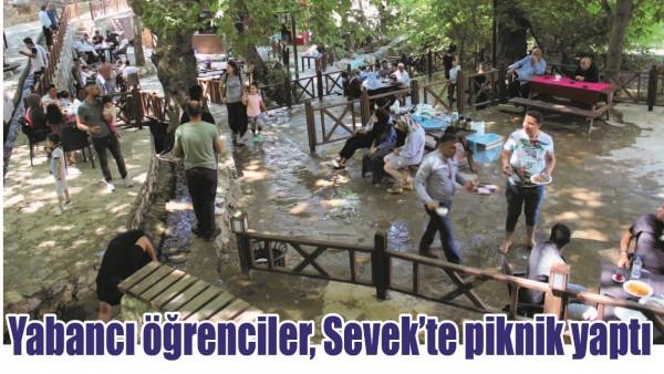 YABANCI ÖĞRENCİLER, SEVEK'TE PİKNİK YAPTI